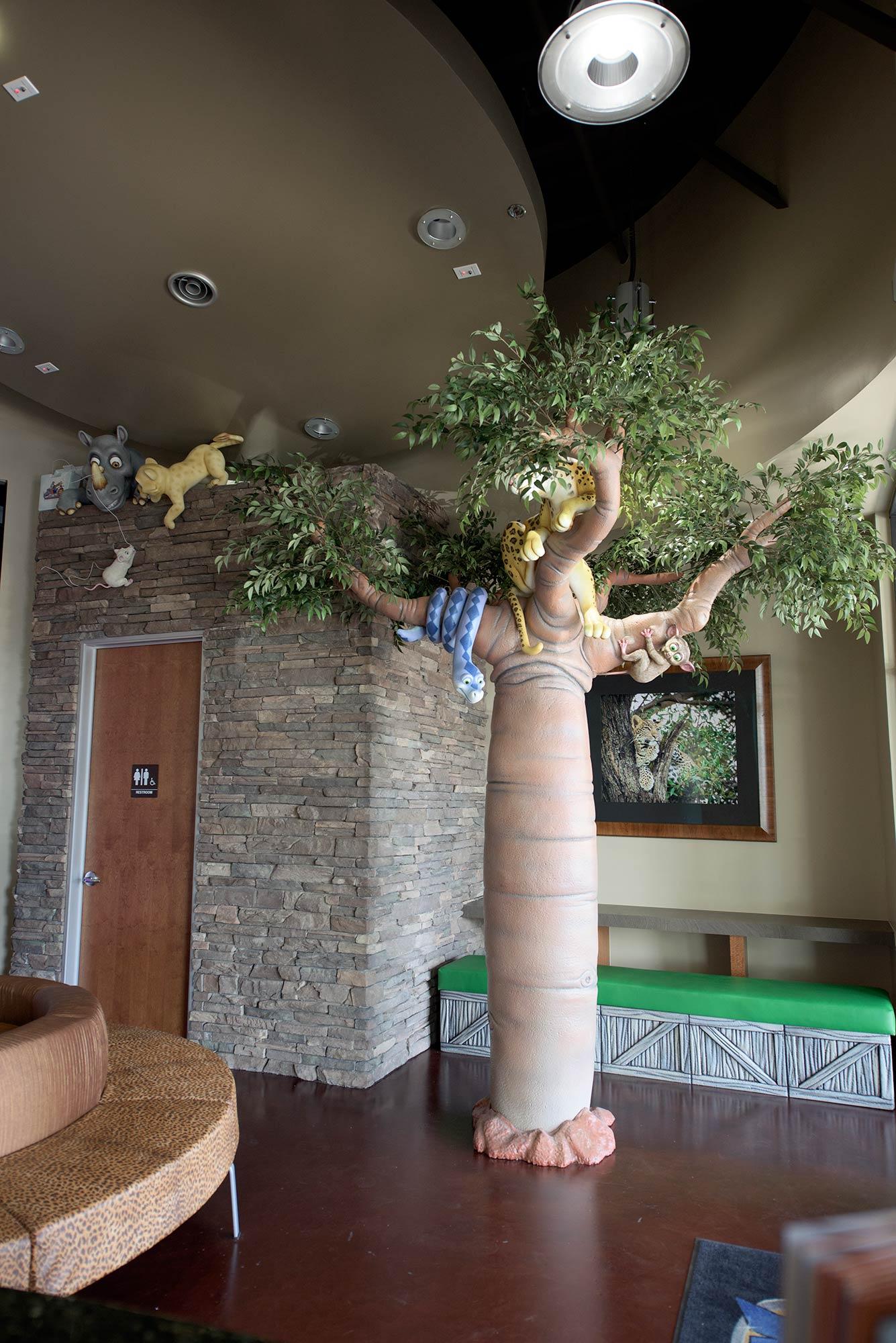 2015-06-27-02-35-45-lobby-tree