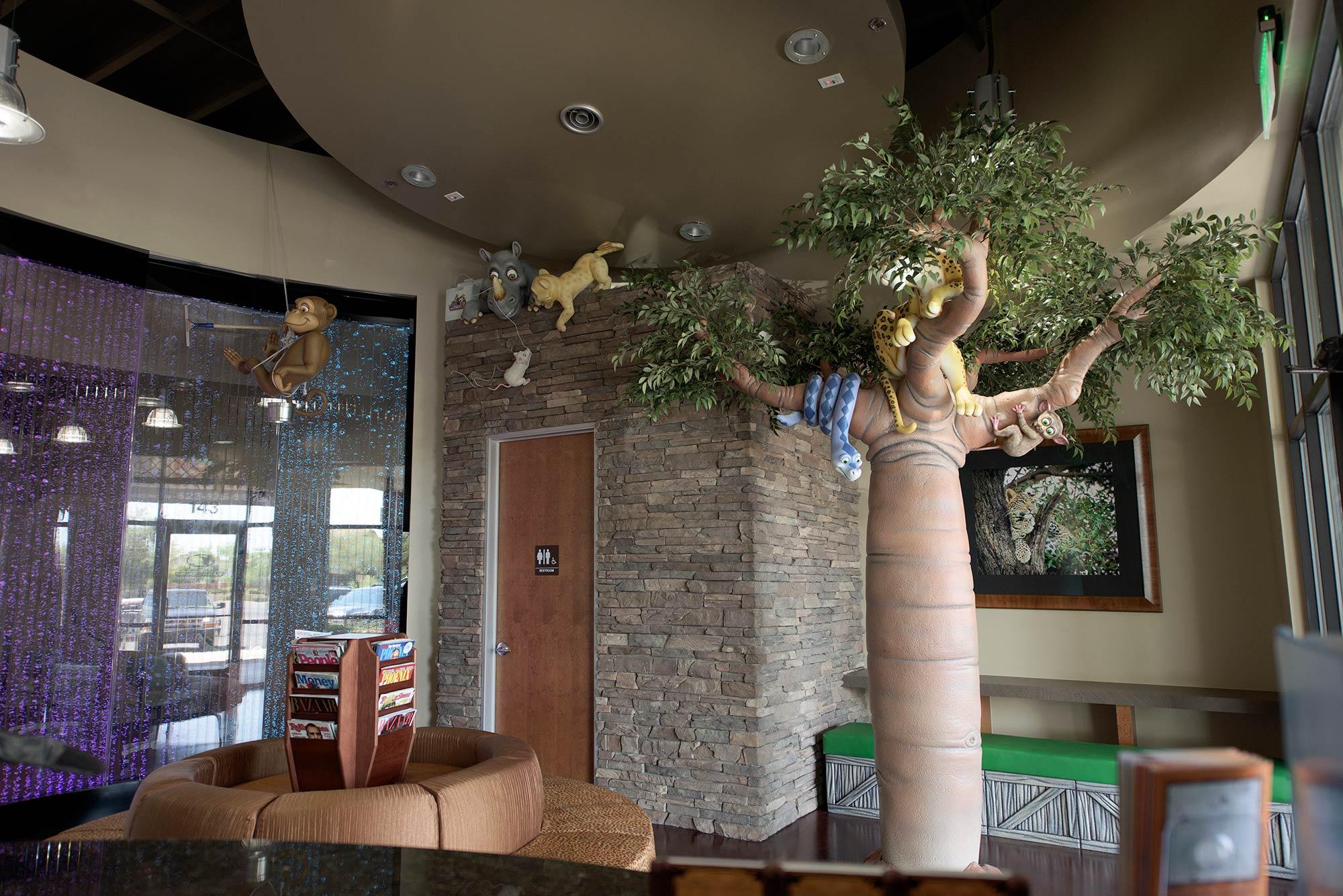 2015-06-27-02-36-05-lobby-tree-horz